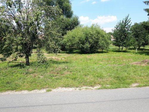 Prodej  pozemku 719 m2 v obci Kadov