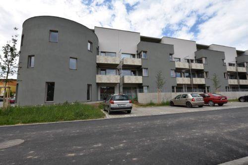 Pronájem bytu 2+KK, 48m2 se zahrádkou v Oslavanech