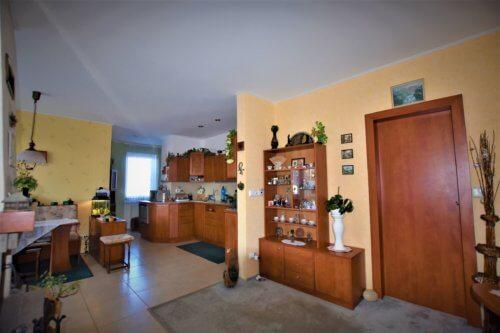 Prodej bytu 2+kk, 54 m2 s terasou a zahrádkou v Holasicích u Rajhradu