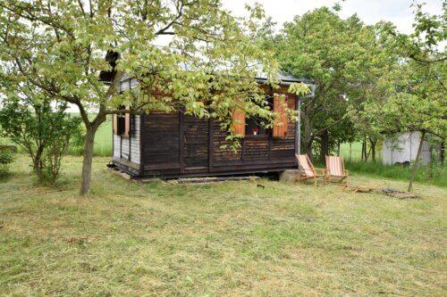 Prodej zahrady 720 m2 s chatkou v obci Sobotovice